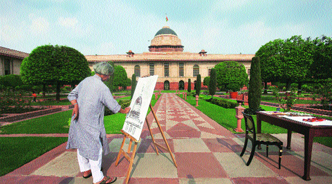Jogen Chowdhury, who was also an art keeper at Rashtrapati Bhavan between 1972 and 1987, at work.