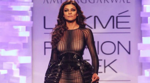 Sushmita Sen: I feel sexy wearing this and that's what Amit's collection is all about. (Source: Twitter)