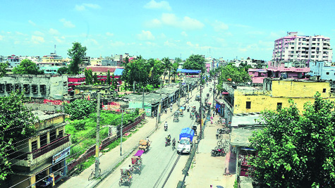 Bustling Birgunj is the commercial capital of Nepal. An industrial corridor stretches from here to Pathlaiya.