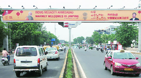 ) A banner in Mandarin area of Ahmedabad welcomes the Chinese President Xi Jinping.