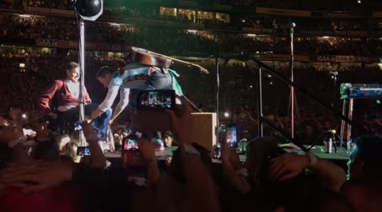 coldplay, chris martin, coldplay asks a man to come up on stage, twitter reactions, indian express, indian express news