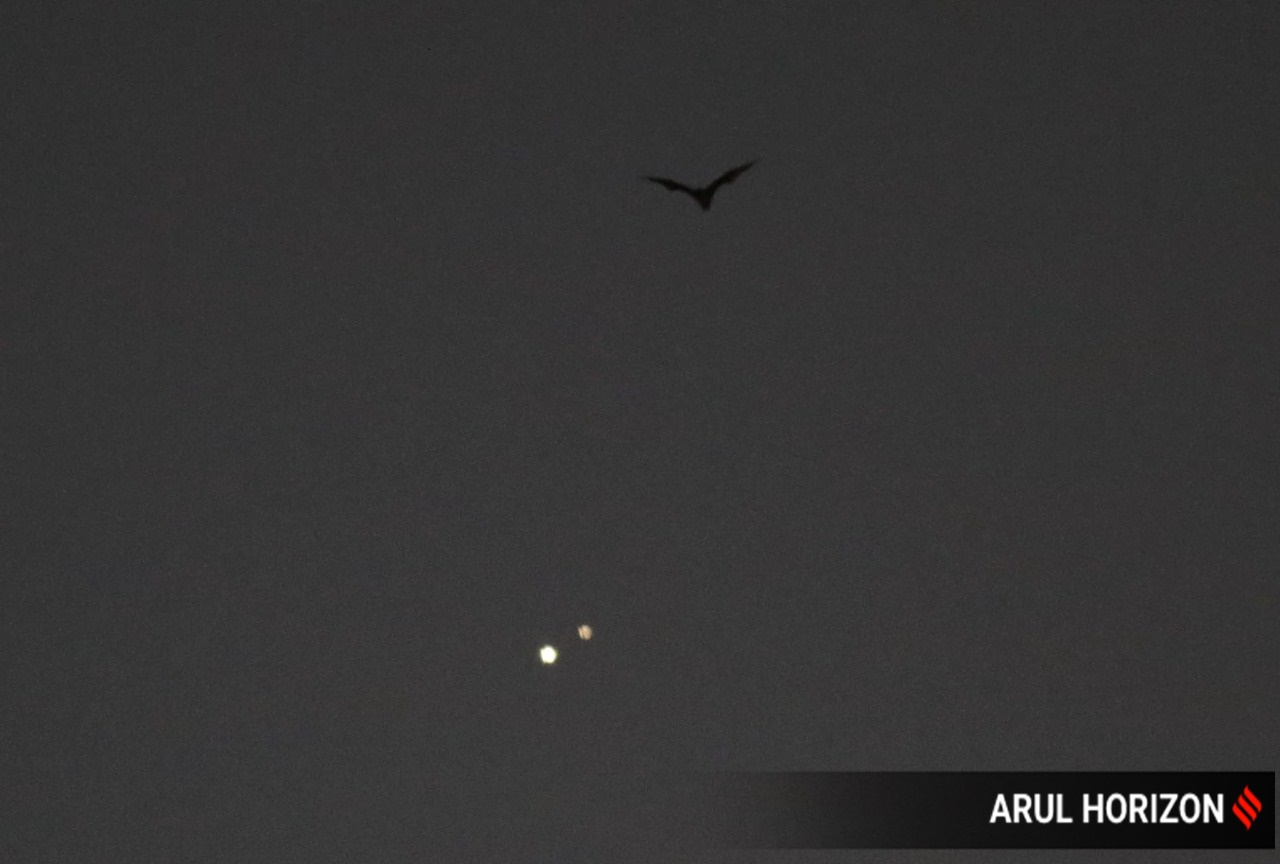 Jupiter-Saturn Great Conjunction as it happened: People glimpse 'Christmas Star' across the world thumbnail